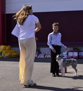 Хельга ребенок и собака